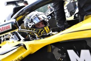 Nico Hulkenberg, Renault Sport F1 Team R.S. 18 on the grid