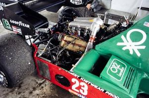 Engine detail on Eddie Cheever's Alfa Romeo 184T