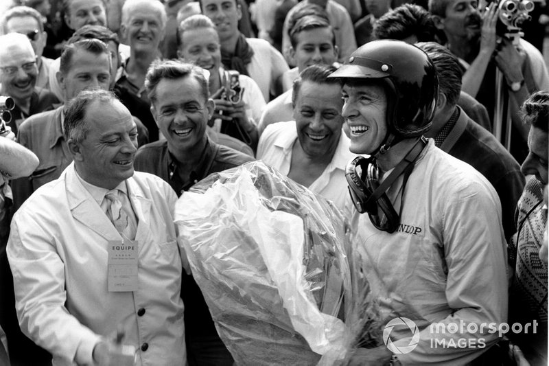 1962 French GP: Race winner Dan Gurney, Porsche 804