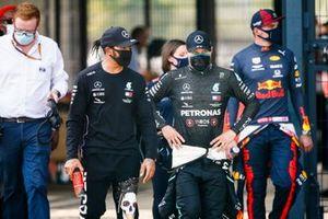 Lewis Hamilton, Mercedes AMG F1, Valtteri Bottas, Mercedes AMG F1, et Max Verstappen, Red Bull Racing