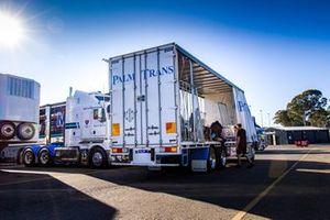 Walkinshaw Andretti United parts truck