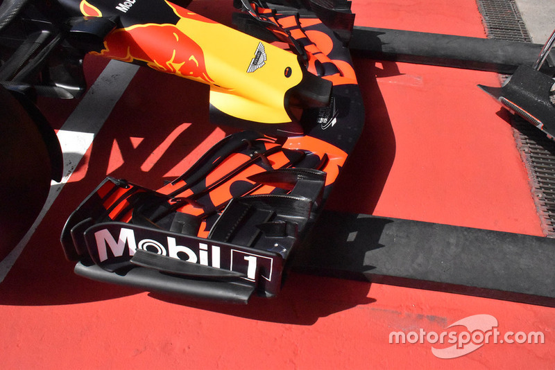 Red Bull Racing RB14 front wing