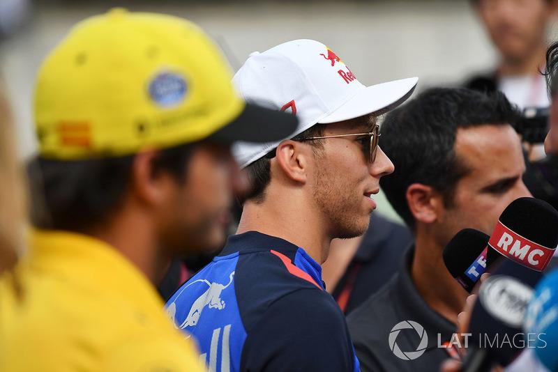 Pierre Gasly, Scuderia Toro Rosso Toro Rosso talks with the media