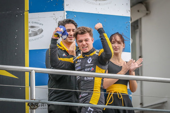 Podio: il vincitore della gara Max Fewtrell, R-Ace GP