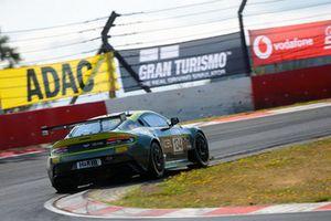 #134 Aston Martin Vantage GT8: Darren Turner, David Thilenius, Henning Cramer