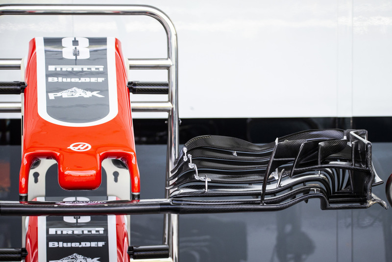 Vue détaillée de l'avant de la Haas F1 Team VF-18
