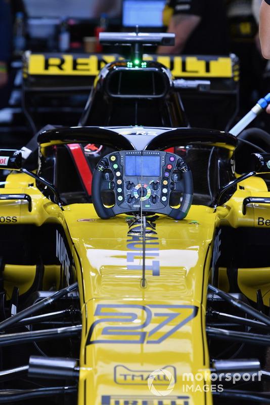 The car of Nico Hulkenberg, Renault Sport F1 Team R.S. 18 and steering wheel