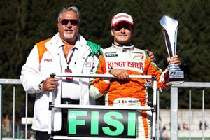 Dr. Vijay Mallya, Force India F1 Team Owner celebrates second position for Giancarlo Fisichella, Force India F1