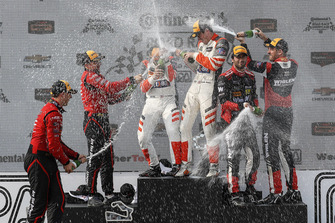 #99 JDC/Miller Motorsports ORECA 07, P - Stephen Simpson, Mikhail Goikhberg, #54 CORE autosport ORECA LMP2, P - Jon Bennett, Colin Braun, #31 Action Express Racing Cadillac DPi, P - Eric Curran, Felipe Nasr, podium, champagne