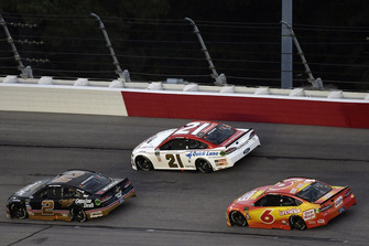 Brad Keselowski, Team Penske, Ford Fusion Miller Genuine Draft, Paul Menard, Wood Brothers Racing, Ford Fusion Motorcraft / Quick Lane Tire & Auto Center and Matt Kenseth, Roush Fenway Racing, Ford Fusion Oscar Mayer