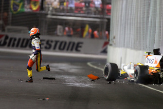 Accidente de Nelson Piquet Jr., Renault F1 Team R28