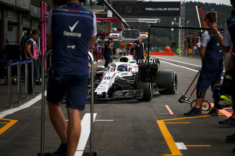 Lance Stroll, Williams FW41 driving into his pit box