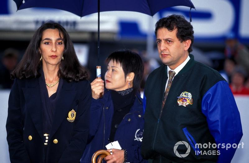 Память о гибели Сенны, которого в Японии боготворили, была еще свежа. На этап даже приехала сестра бразильского пилота Вивьен да Силва