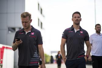 Kevin Magnussen, Haas F1 Team et Romain Grosjean, Haas F1 Team
