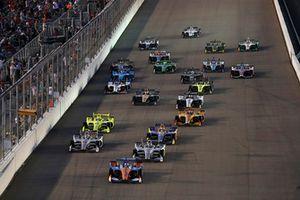 Scott Dixon, Chip Ganassi Racing Honda, Alexander Rossi, Andretti Autosport Honda, Josef Newgarden, Team Penske Chevrolet, Will Power, Team Penske Chevrolet, start