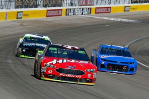 Kurt Busch, Stewart-Haas Racing, Ford Fusion Haas Automation, Ross Chastain, Premium Motorsports, Chevrolet Camaro Xchange of America e Kyle Larson, Chip Ganassi Racing, Chevrolet Camaro DC Solar Vegas Strong