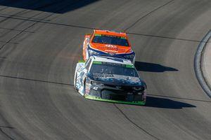 Kyle Larson, Chip Ganassi Racing, Chevrolet Camaro DC Solar Vegas Strong, Brad Keselowski, Team Penske, Ford Fusion Autotrader