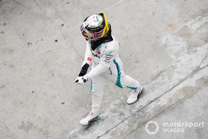Pole sitter Lewis Hamilton, Mercedes-AMG F1 W09 EQ Power+ celebrates in Parc Ferme