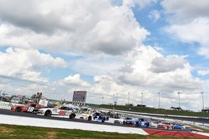 Chase Briscoe, Biagi-DenBeste Racing, Ford Mustang Nutri Chomps/Ford and Ryan Preece, Joe Gibbs Racing, Toyota Camry Rheem