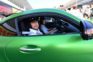 Toto Wolff, Mercedes AMG F1 Director of Motorsport and Susie Wolff in Pirelli hot laps car