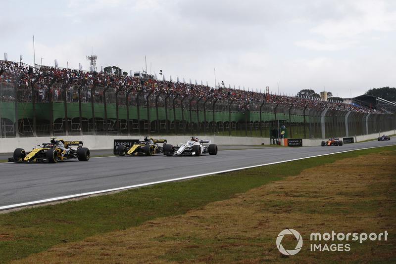 Carlos Sainz Jr., Renault Sport F1 Team R.S. 18, Nico Hulkenberg, Renault Sport F1 Team R.S. 18 and Marcus Ericsson, Sauber C37