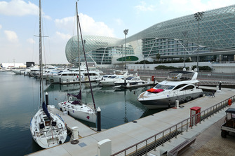 Des bateaux dans la Marina