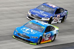 Ryan Blaney, Team Penske, Ford Fusion PPG and B.J. McLeod, Rick Ware Racing, Ford Fusion Jacob Companies