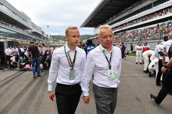 Nikita Mazepin with his Father Dmitry Mazepin, Chairman of Uralchem Integrated Chemicals Company on the grid