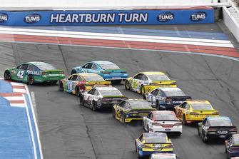 Kyle Larson, Chip Ganassi Racing, Chevrolet Camaro Clover/First Data Kyle Busch, Joe Gibbs Racing, Toyota Camry M&M's