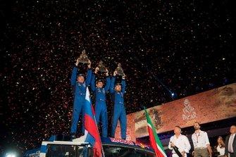 Podium: #500 Team Kamaz Master: Eduard Nikolaev, Evgeny Yakovlev, Vladimir Rybakov