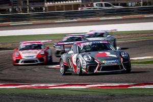 الفيصل الزبير ينفرد بصدارة السباق الأول للجولة الثانية لبطولة تحدي كأس بورشه بي دبليو تي جي تي 3 الشرق الأوسط