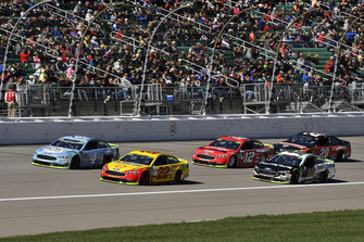 Joey Logano, Team Penske, Ford Fusion Shell Pennzoil, Kevin Harvick, Stewart-Haas Racing, Ford Fusion Busch Light, Aric Almirola, Stewart-Haas Racing, Ford Fusion Smithfield