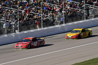 Ryan Blaney, Team Penske, Ford Fusion Menards/Wrangler Riggs Workwear, Joey Logano, Team Penske, Ford Fusion Shell Pennzoil