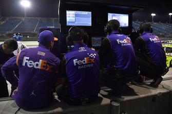 Crew di Denny Hamlin, Joe Gibbs Racing, Toyota Camry FedEx Express