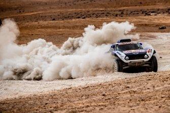 #300 X-Raid Mini JCW Team: Carloz Sainz, Lucas Cruz