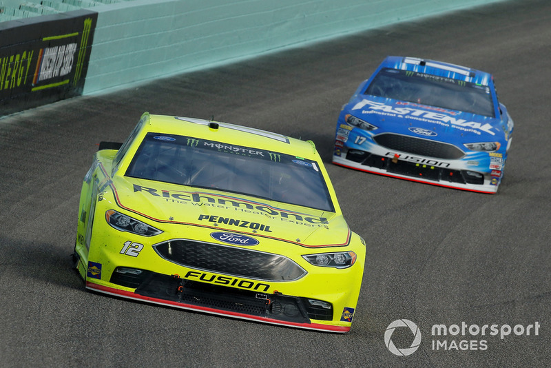 Ryan Blaney, Team Penske, Ford Fusion Menards/Richmond e Ricky Stenhouse Jr., Roush Fenway Racing, Ford Fusion Fastenal