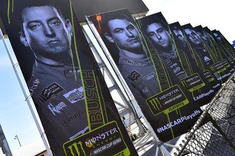 Kyle Busch, Joe Gibbs Racing, Toyota Camry M&M's playoff banner