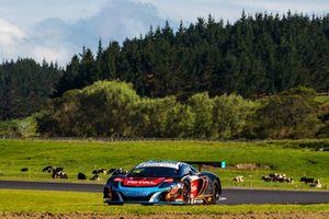 #59 McLaren 650S GT3: Fraser Ross, Duvashen Padayachee