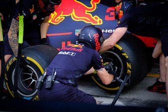L'équipe de la Red Bull Racing RB14