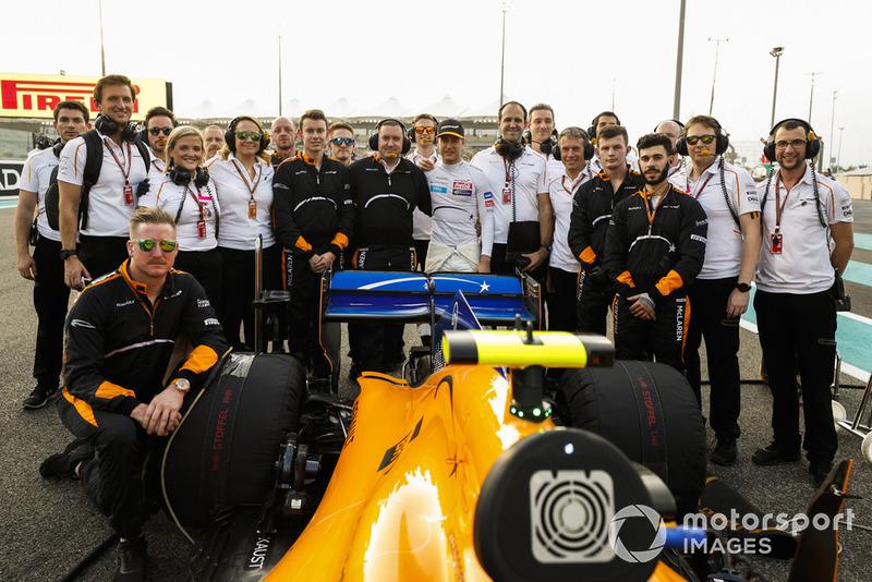Después de dos temporadas, Stoffel Vandoorne se vio sin asiento en McLaren, que cambia su alineación de manera completa. Estará con HWA en Fórmula E y también trabajará en el simulador de Mercedes F1. Un adiós con buena cara tras una carrera muy activa en la que sin embargo solo pudo ser 14º,