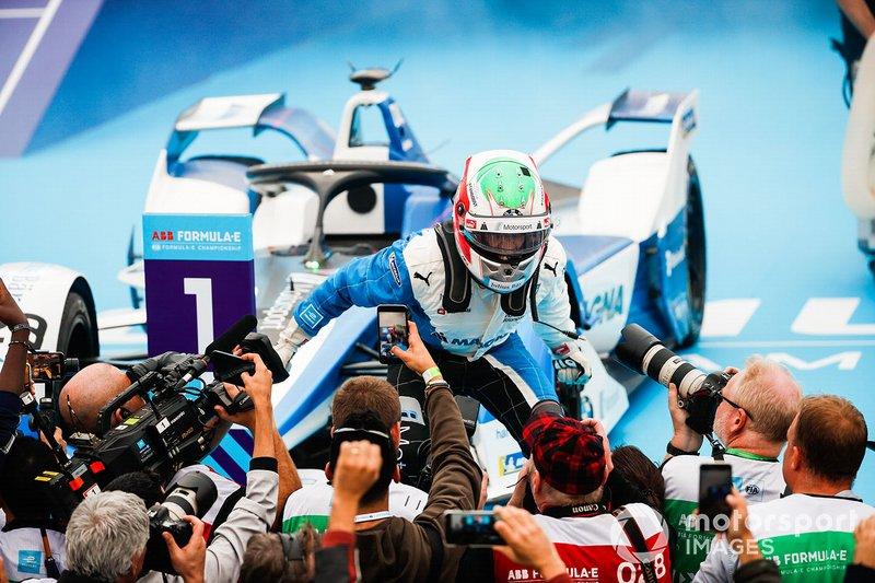 Antonio Felix da Costa, BMW I Andretti Motorsports, festeggia la vittoria, nel parco chiuso