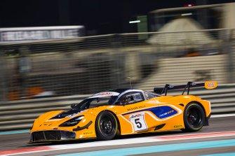 #5 McLaren Customer Racing McLaren 720S GT3: Бен Барникот, Альваро Паренте, Шейн ван Гисберген