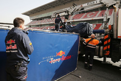 Scuderia Toro Rosso STR11 of Max Verstappen Scuderia Toro Rosso back to the pits