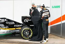 Nico Hulkenberg, Sahara Force India F1 und Sergio Perez, Sahara Force India F1 enthüllen den Sahara
