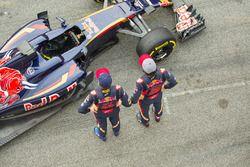 Max Verstappen, Scuderia Toro Rosso and Carlos Sainz Jr., Scuderia Toro Rosso with the Scuderia Toro