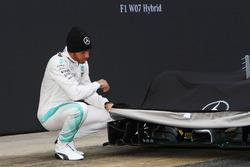 Lewis Hamilton, Mercedes AMG F1 dévoile la Mercedes AMG F1 W07 Hybrid