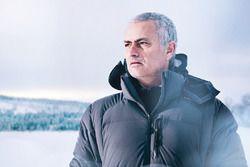 José Mourinho prend le volant de la Jaguar F-Pace