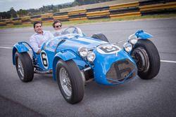 Jérôme d'Ambrosio, Dragon Racing fährt in einem klassischen Rennenwagen während des Besuches vom Jua