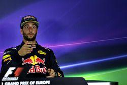 Daniel Ricciardo, Red Racing, Fórmula 1 Grand Prix, 2016 en Bakú, Azerbaiyán. (Photo by Getty Image