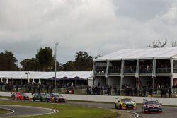 Shane van Gisbergen, Triple Eight Race Engineering Holden ve Chaz Mostert, Rod Nash Racing Ford